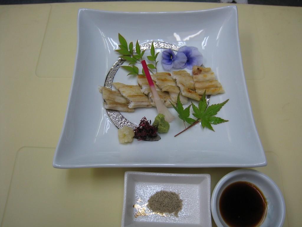 うなぎ白焼き(半尾)  1,350円